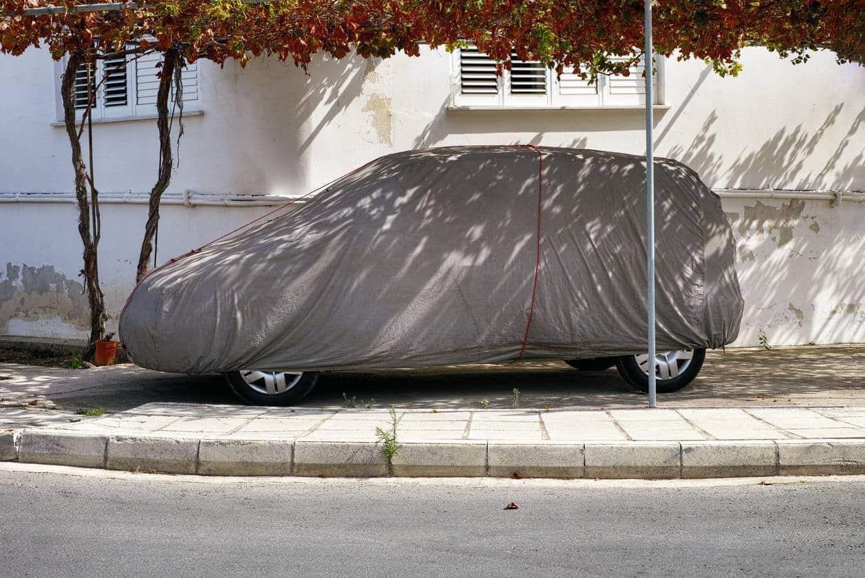 housse de voiture pour protéger la carrosserie